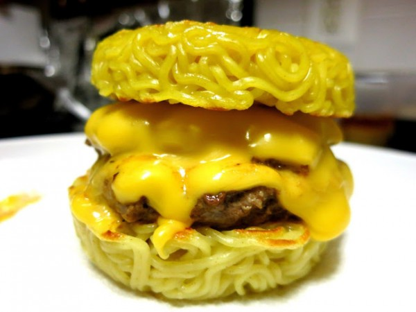 44822-Yellow Cake Burger